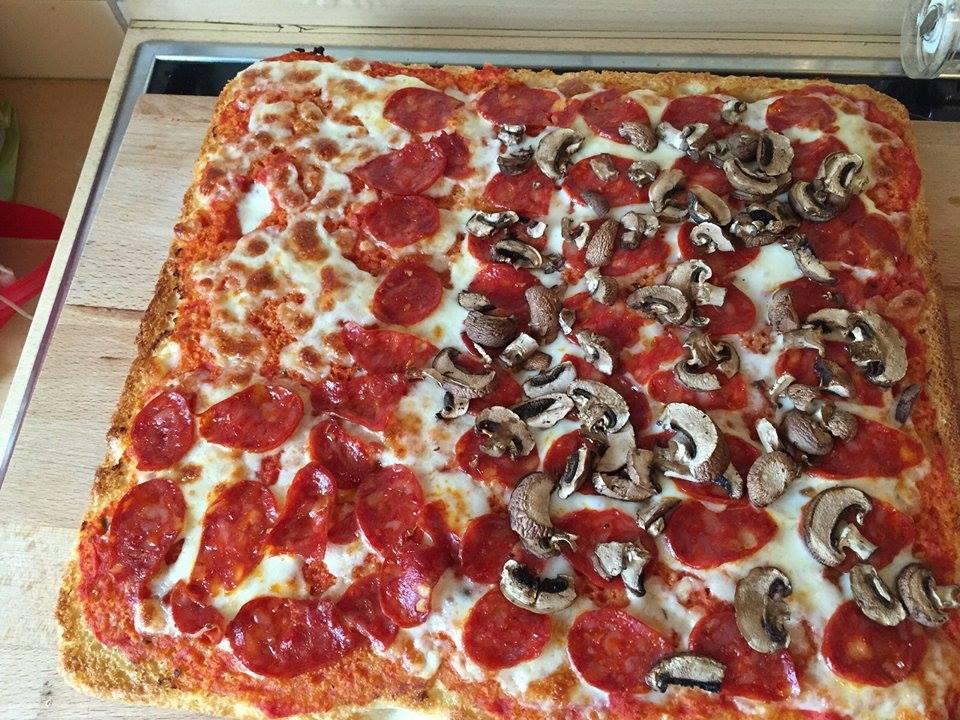 Umberto backt: Pizza im Blech für zu Hause