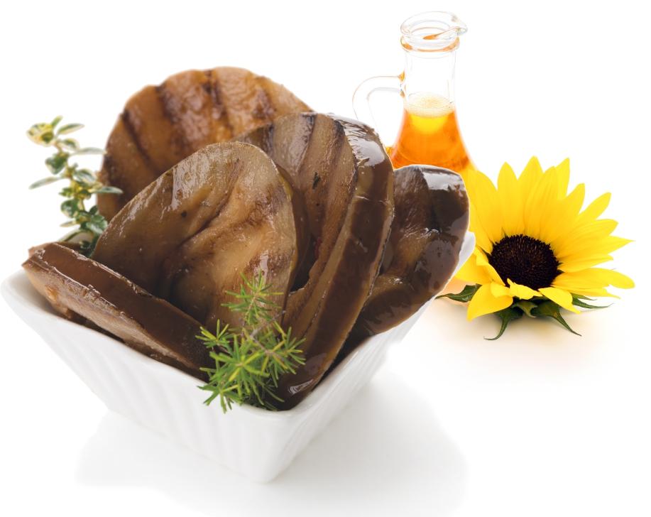 Gegrillte Auberginen in Sonnenblumenöl
