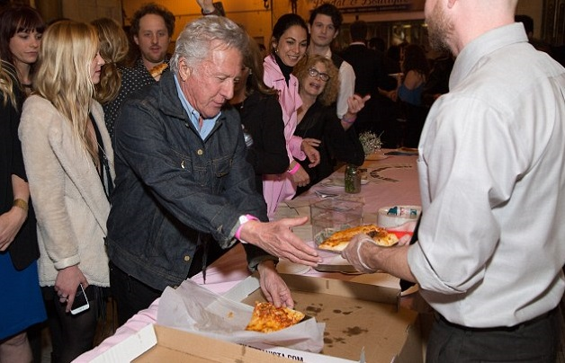 Zitat über Pizza geschrieben von Dustin Hoffman